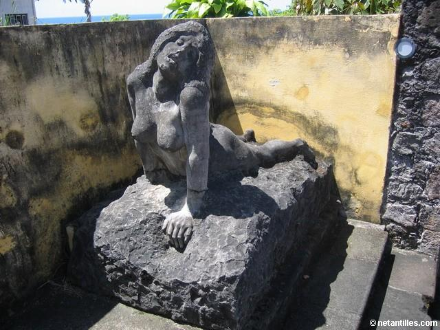 Statue De Femme Photo De Martinique Saint Pierre